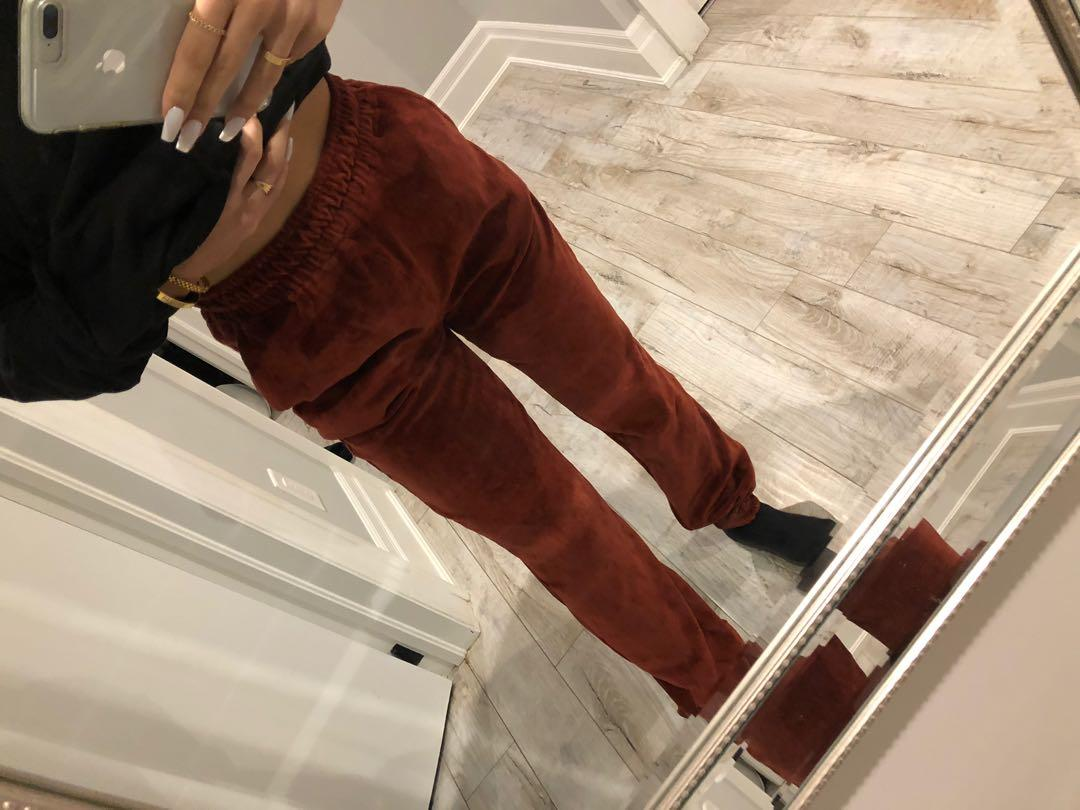 Misguided High Waisted Velvet Joggers - Dark Red