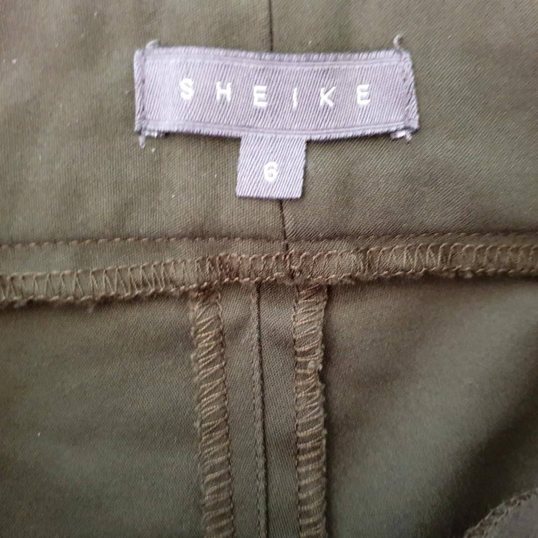 Women's size 6 'SHEIKE' Stunning green khaki skinny cigarette pants - AS NEW