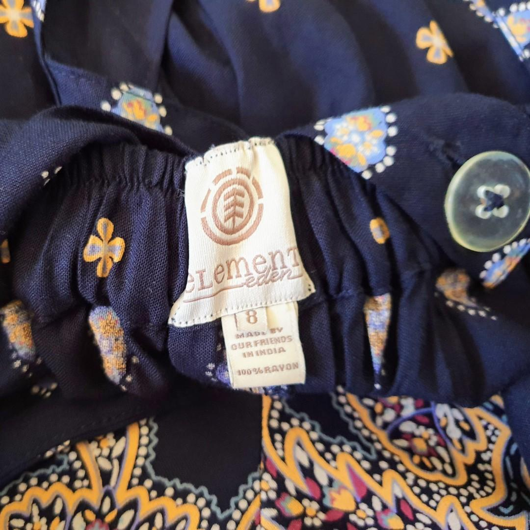Women's size 8 'ELEMENT' Gorgeous navy boho rayon shorts with removable suspenders-AS NEW