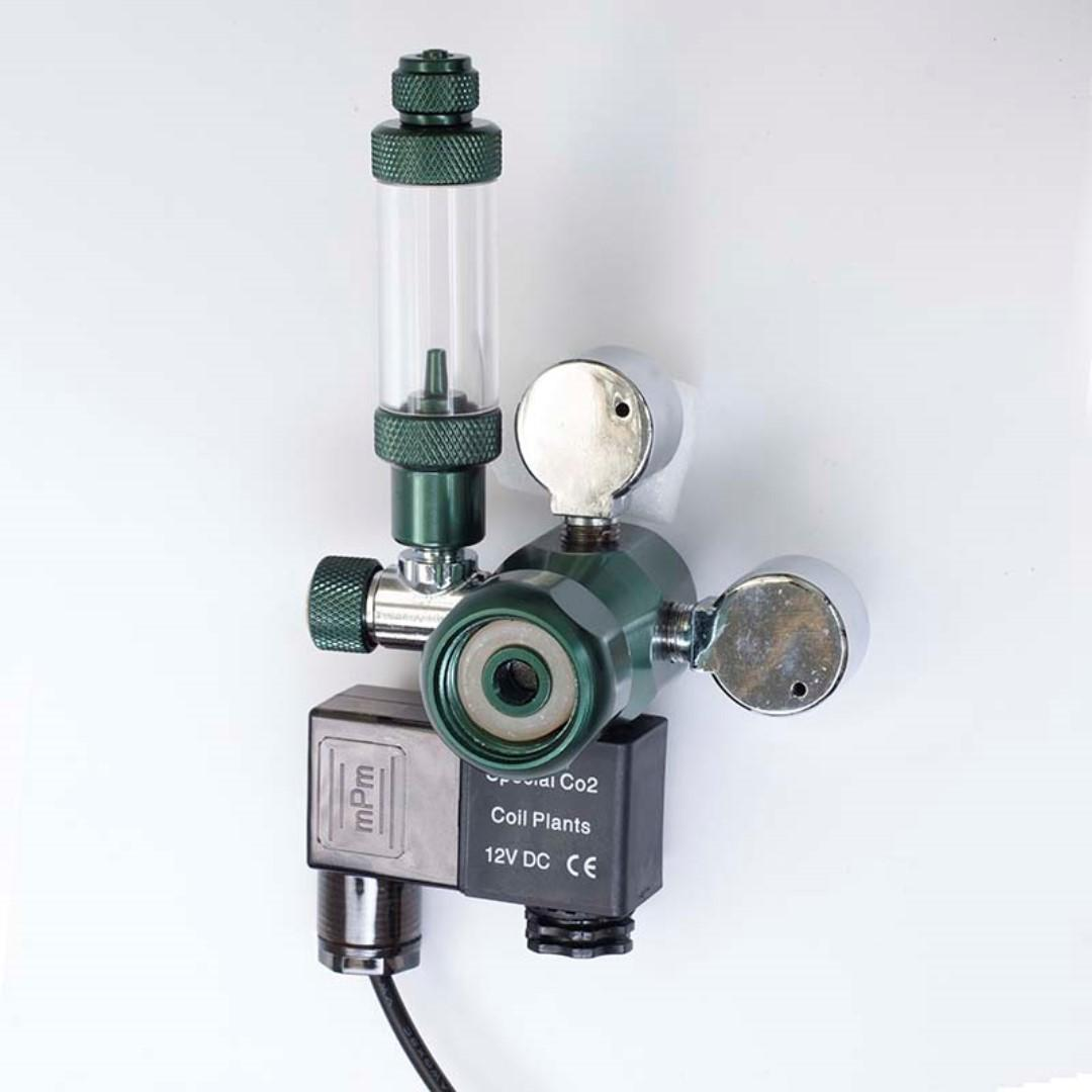 Wyin CO2 Solenoid Valve Regulator for Aquarium Fish Tank With Dual Small Pressure Gauge and Bubble Counter. Low Voltage supply