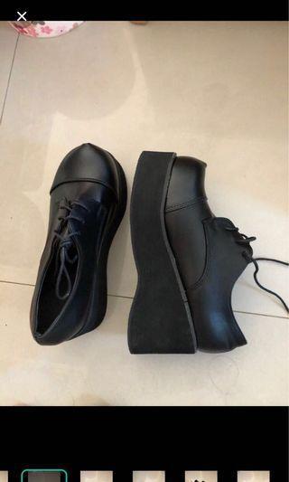 厚底鞋38號