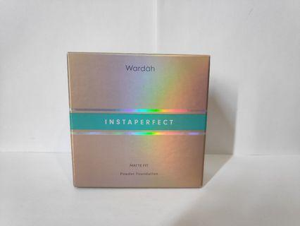 INSTAPERFECT by Wardah - Matte Fit Powder Foundation (BEIGE)