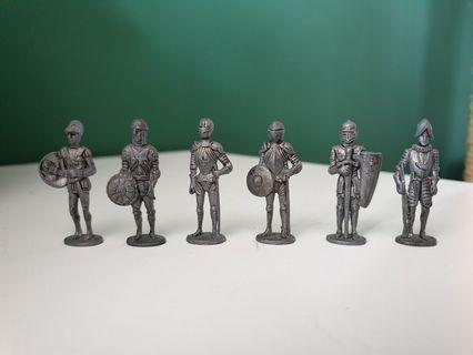 Toy Knights in Armour / Toy Soldiers Metal figurines