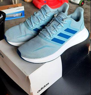 Authentic Adidas fits women 6-7
