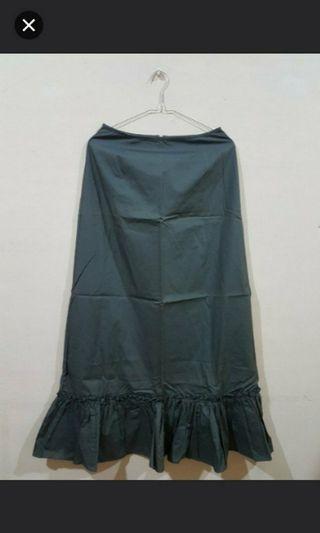 Rok panjang army (army skirt)