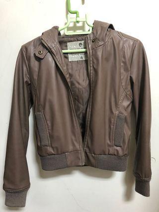 2% 褐色皮衣外套 版型很美