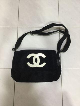 WTS Chanel precision sling bag (price reduced)
