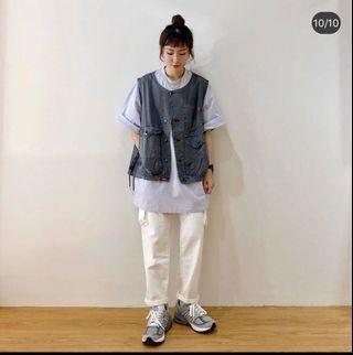 紫色上衣+白褲一套賣~~