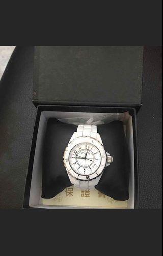 valentino范倫鐵諾 白陶瓷手錶 二手九成新 附過期保卡(可永久免費換電池)