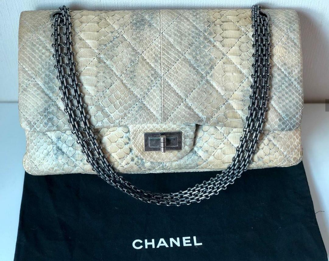 🐍Authentic chanel reissue 2.55 python ivory grey bag