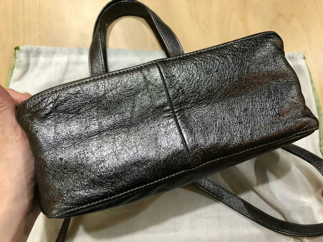 AUTHENTIC LONGCHAMP METALLIC LEATHER TOTE BAG , WITH LONG STRAP FOR CROSSBODY SLING - (SIZE 28 X 28 CM APPROX.) - (BOUGHT OVER RM 2000+)