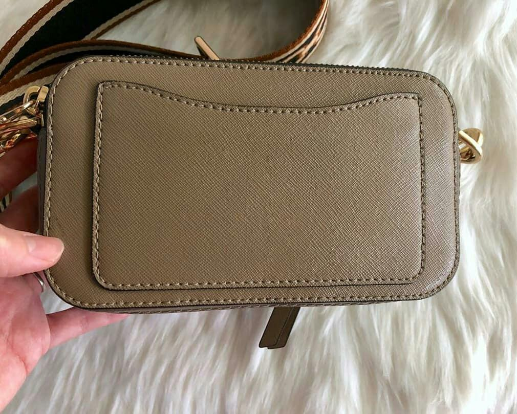 AUTHENTIC MARC JACOBS SNAPSHOT CAMERA BAG - SAFFIANO LEATHER - SIZE: 18 X 11 CM APPROX. - VERY GOOD CONDITION -