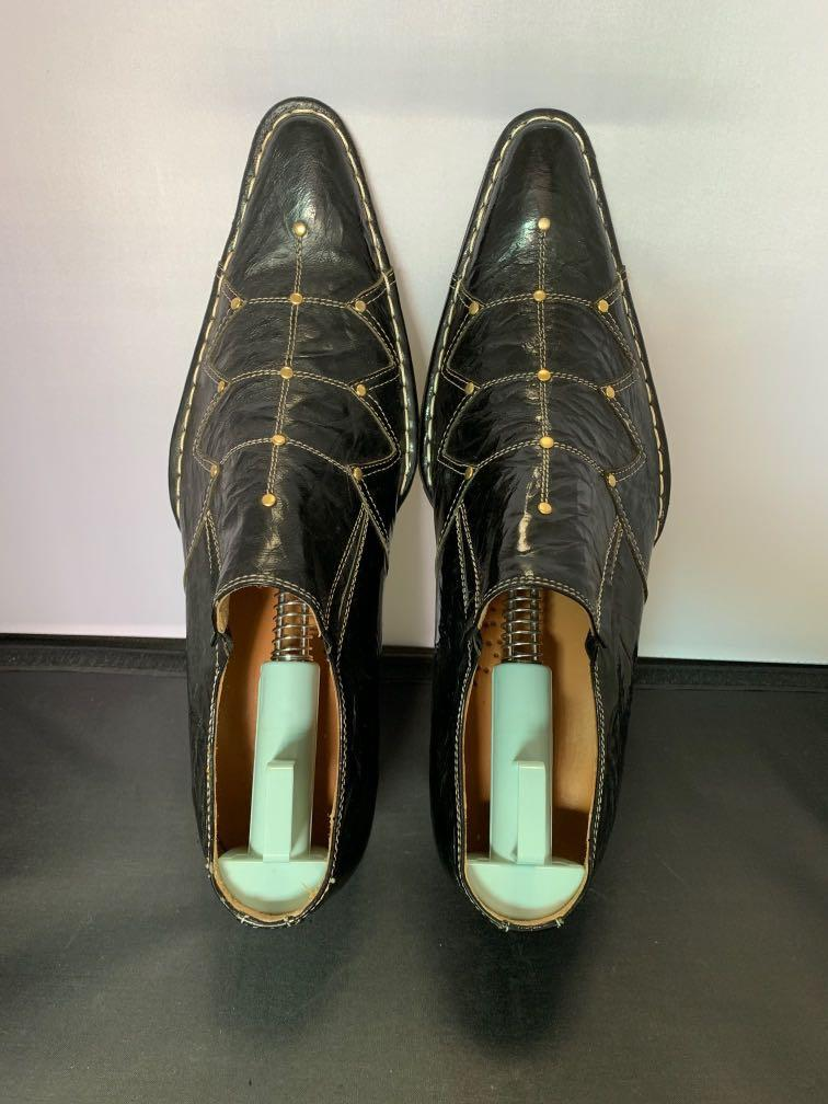Brand new pointed leather dress shoe