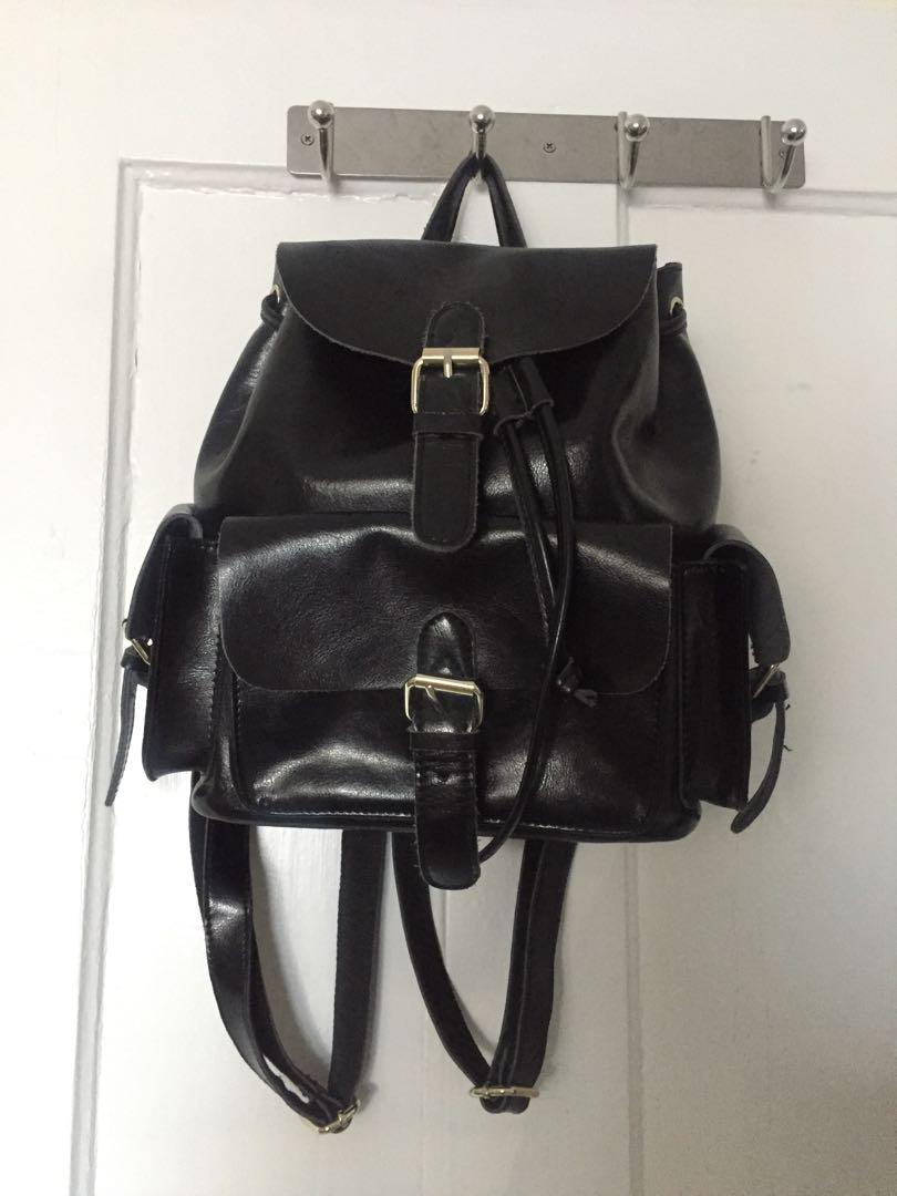 Genuine leather black backpack - Tags: matt nat, roots, fossil, coach, longchamp,