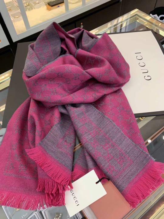 Gucci 羊毛圍巾 shawl scarf size 48cmx180cm 靚價 $1880