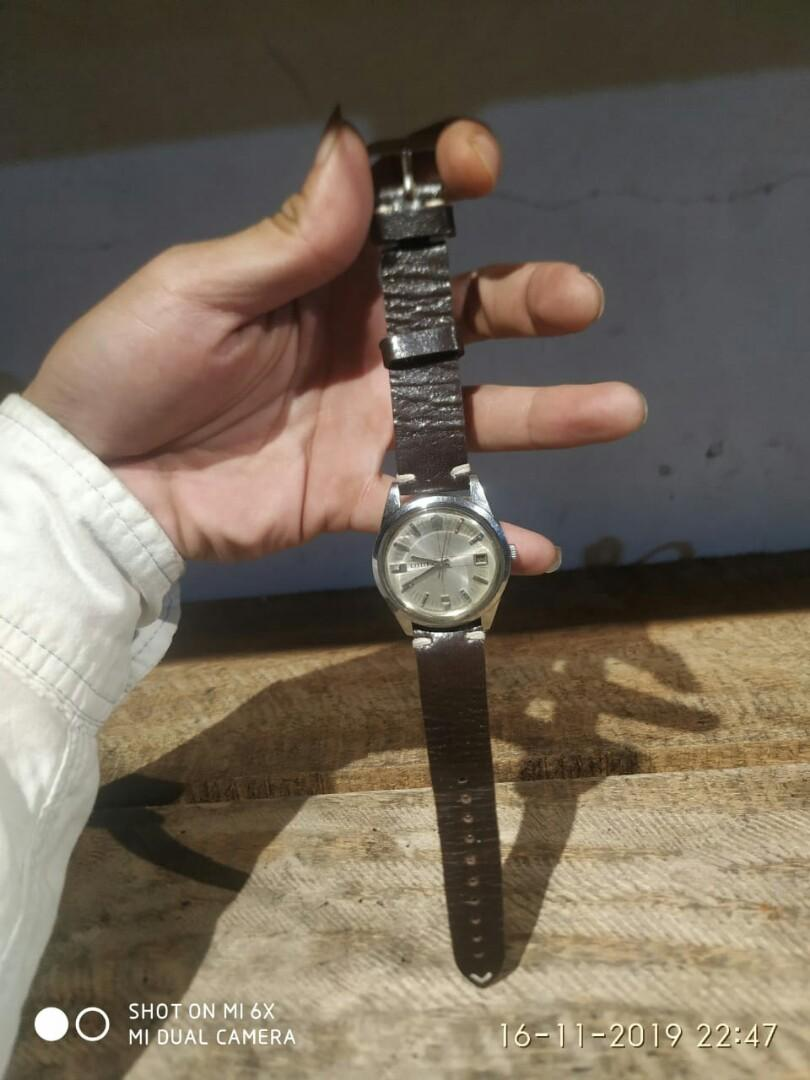 Jam tangan vintage Citizen 8260 manual winding
