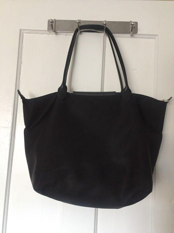 Authentic Longchamp Black large tote - Le Pliage, silver hardware