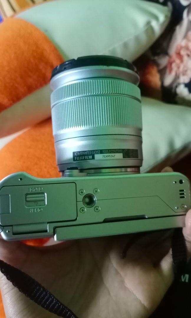 Mirrorless Fujifilm XA-10