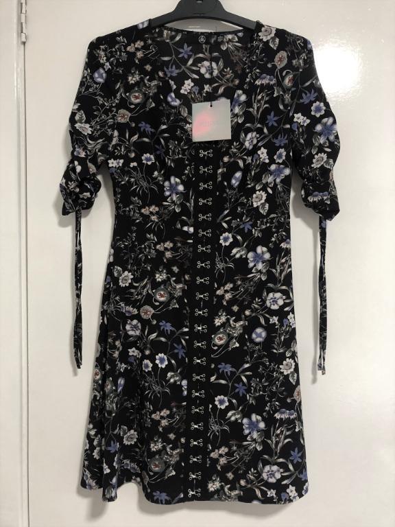 Missguided Black Floral Short Sleeve Eyelet Shift Dress