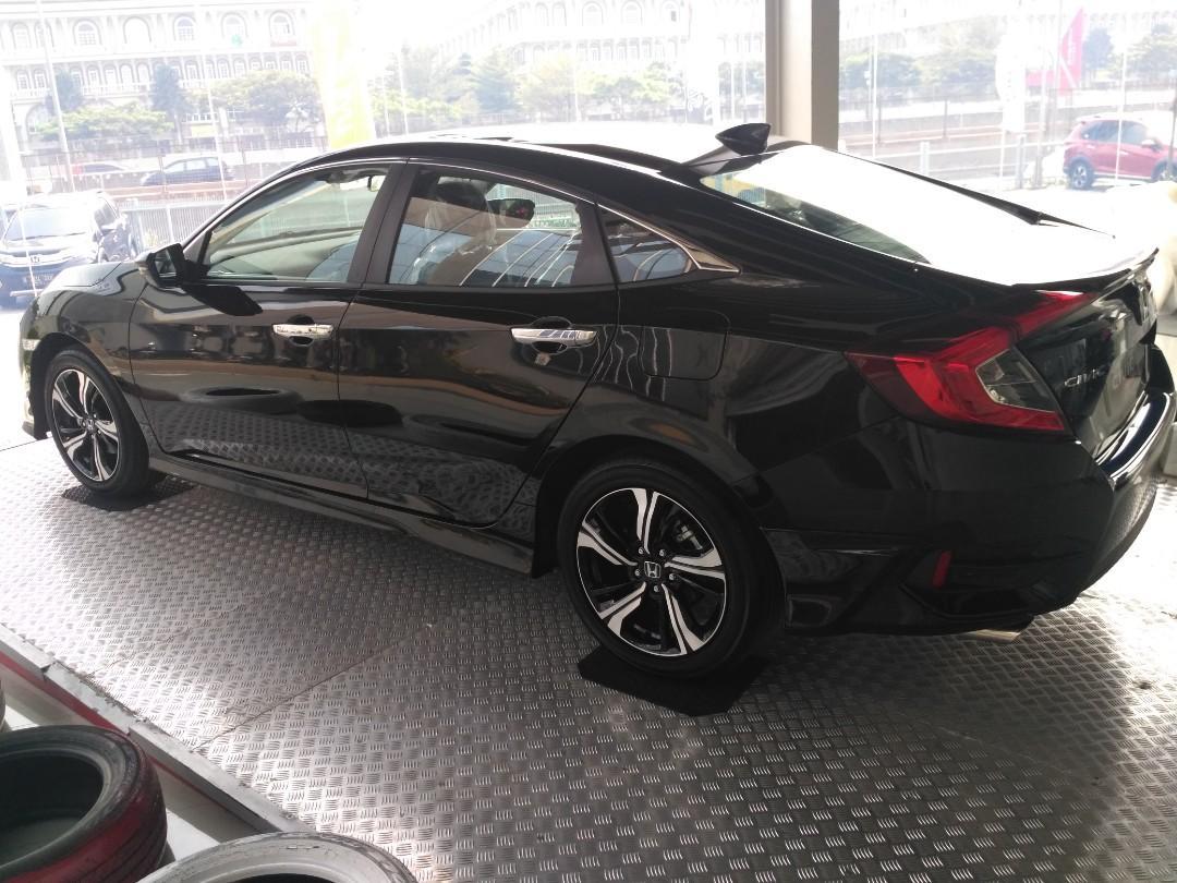Ready Stock Civic Sedan Promo Akhir tahun dan banjir Hadiah