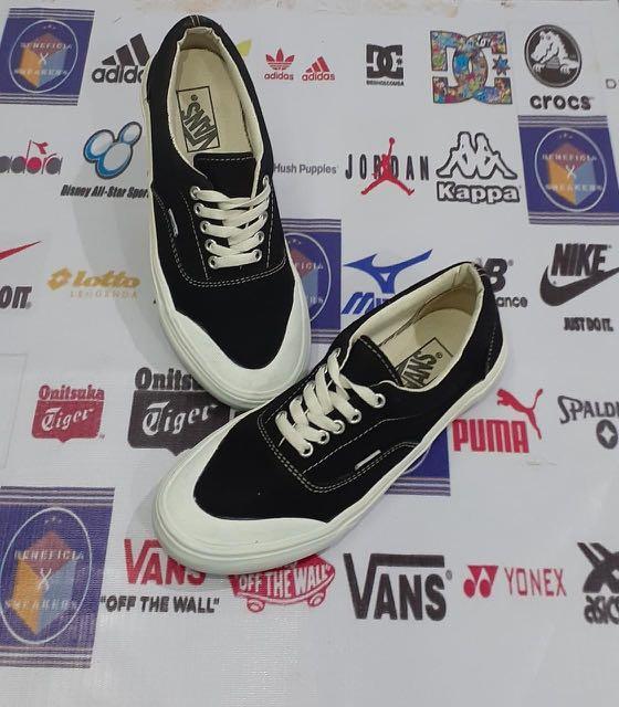 Sepatu Vans halfmoon