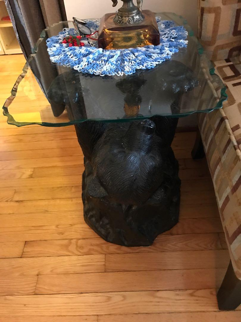 Set of 2 decorative side tables with glass and bear underneath