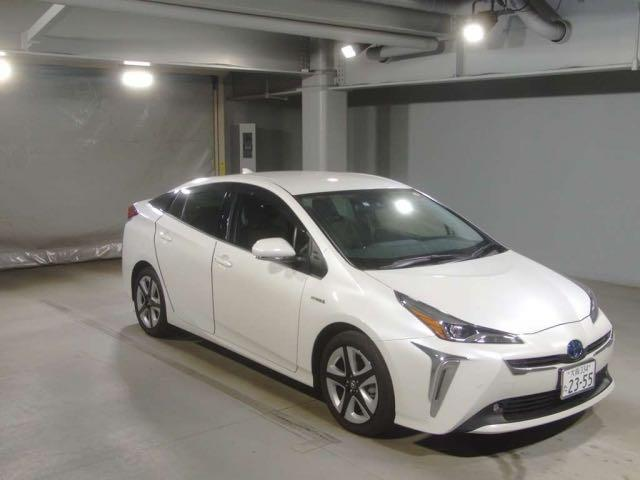 TOYOTA PRIUS S TOURING SELECTION 2019