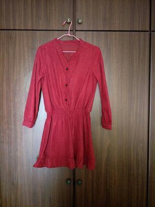 逢年過節必備。亮眼紅色洋裝。非薄料  #剁手時尚