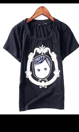 Black T-shirt with graphic embroidery