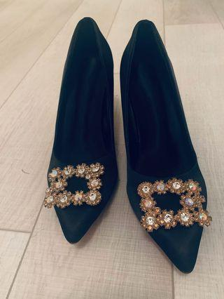 Brand new black pumps with crystal size 6.5