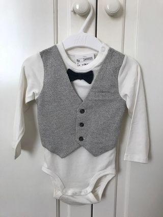 Vest and Bow tie Bodysuit. Lucu banget!!