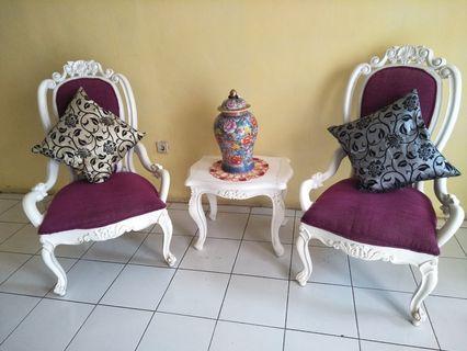1 set kursi dan meja
