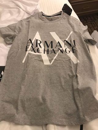 阿曼尼衣服全新