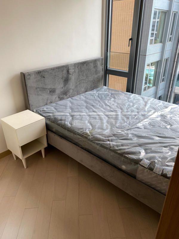 99%新 FrancFranc  4尺半床架+全新Emmas床褥(包10年保養)