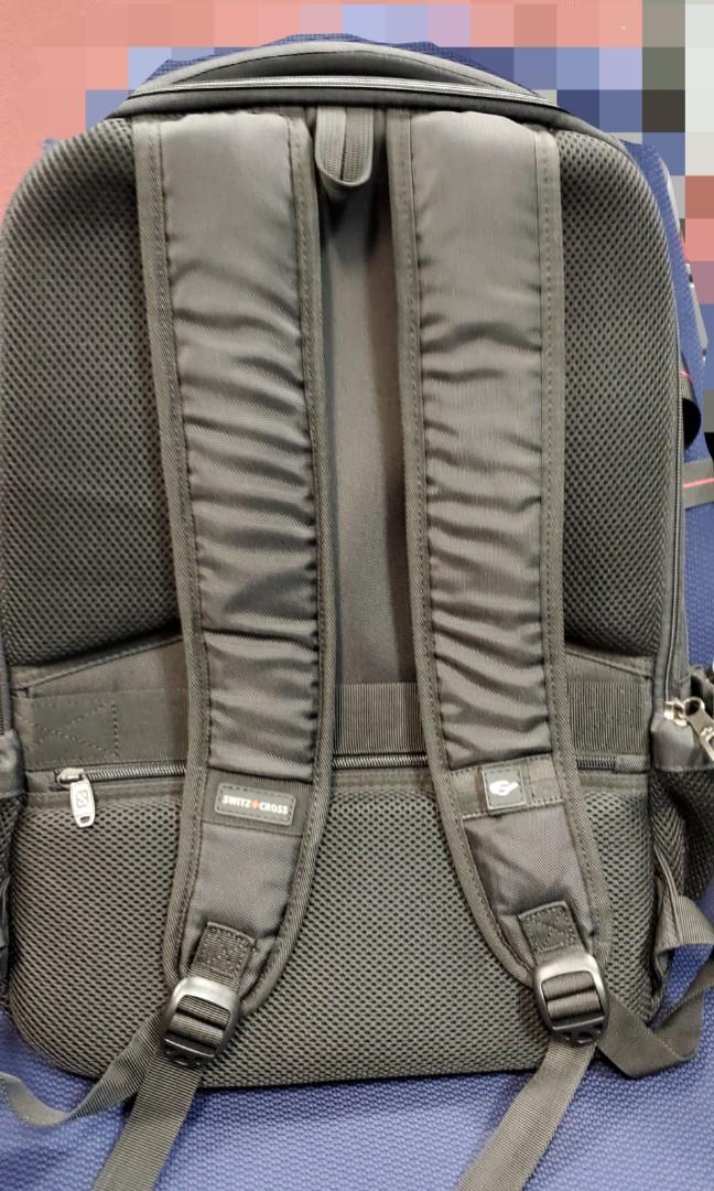 男裝大容量黑色電腦背囊