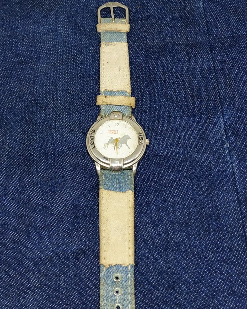 Jam tangan vintage Levis