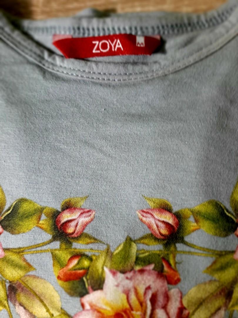 Kaos motif bunga lengan panjang
