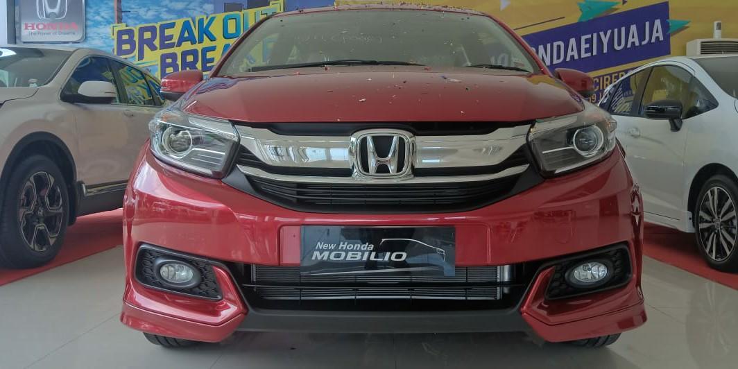 Mobil Honda Mobilio S MT Sporty