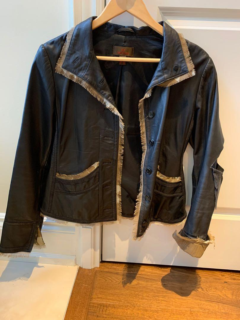 One of a kind Womens lamb leather jacket. Danier. Size M