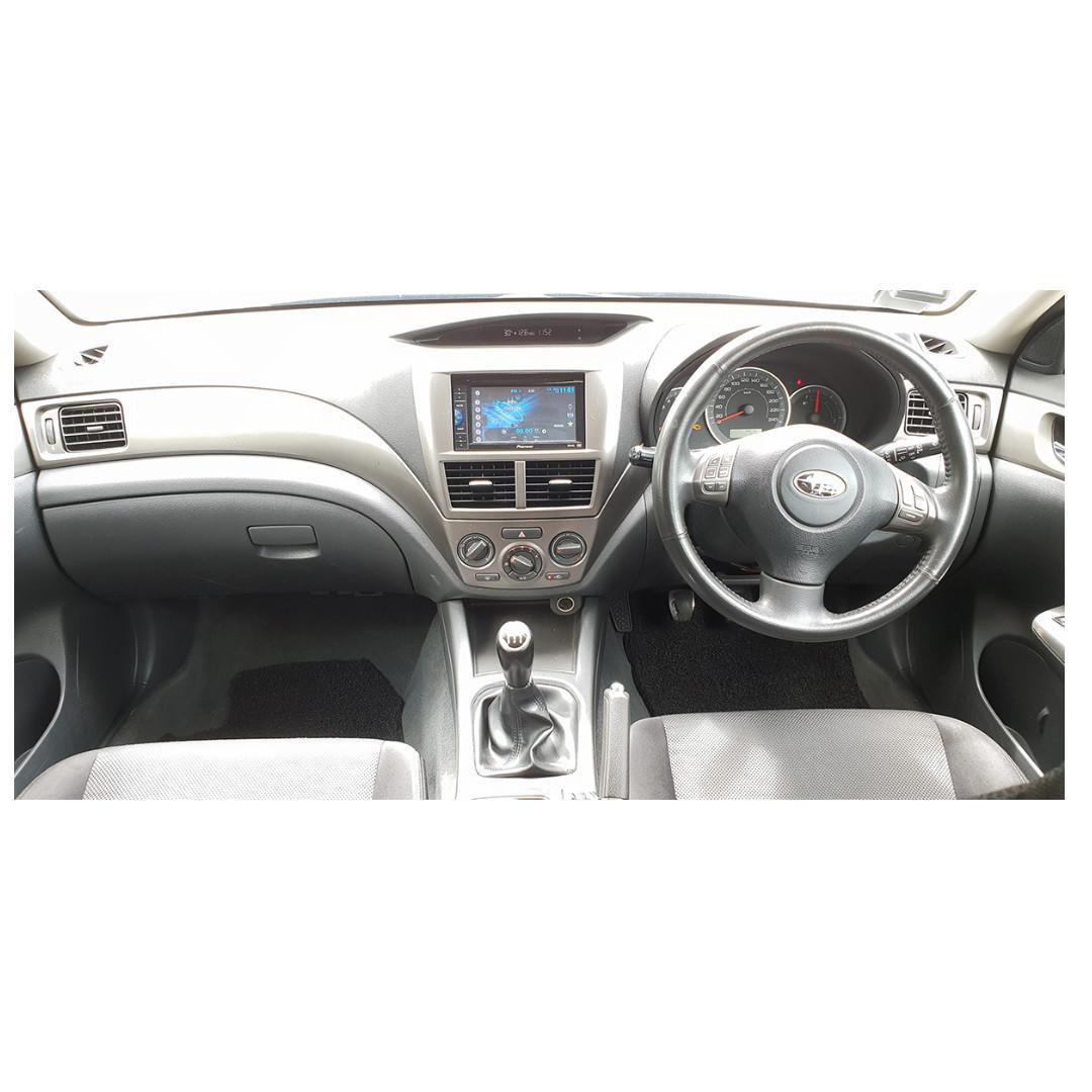 Subaru Impreza 2.0 R-S 5-Dr Manual
