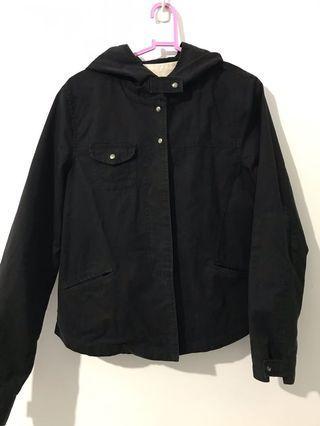 日系有型有點厚度黑外套