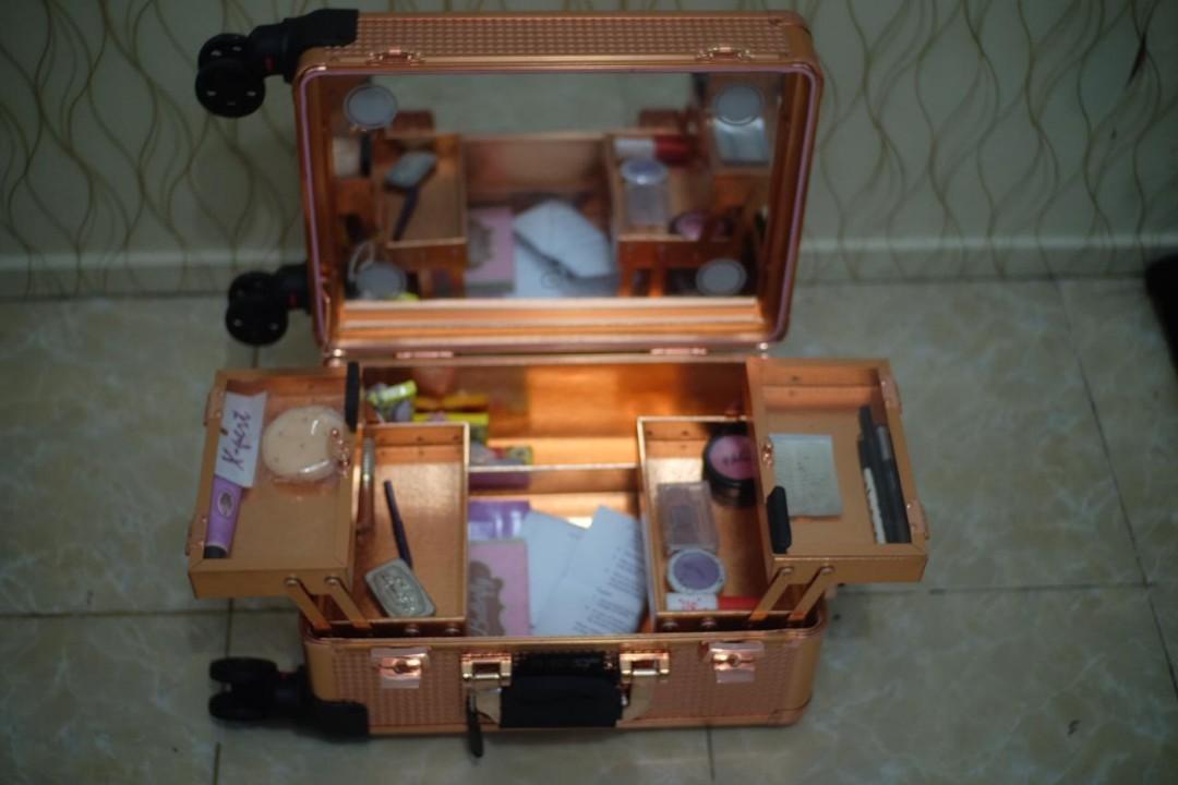 #1111special Koper makeup armando caruso / beauty case