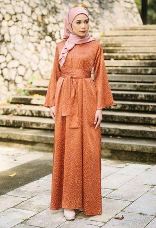 Qaysaa Hijabs Faresya Dress in Orange (XL)