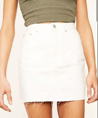 LOOKING!!!! White denim skirt