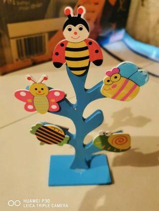 NEW Little bee tree paper clipper