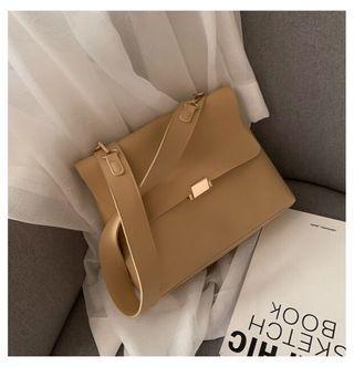 淺棕手提包