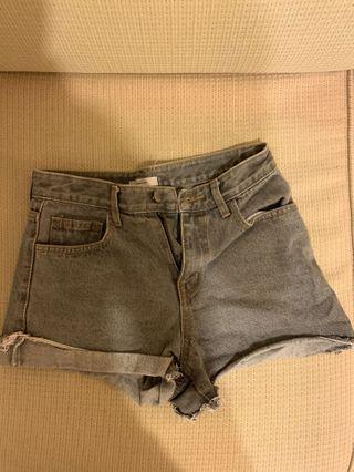 Stylenanda灰短褲