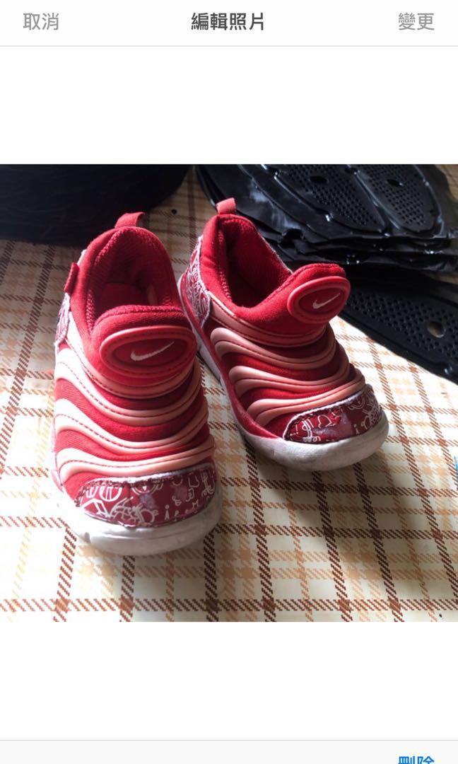 二手 毛毛蟲鞋-13.5公分 $150 (正品)