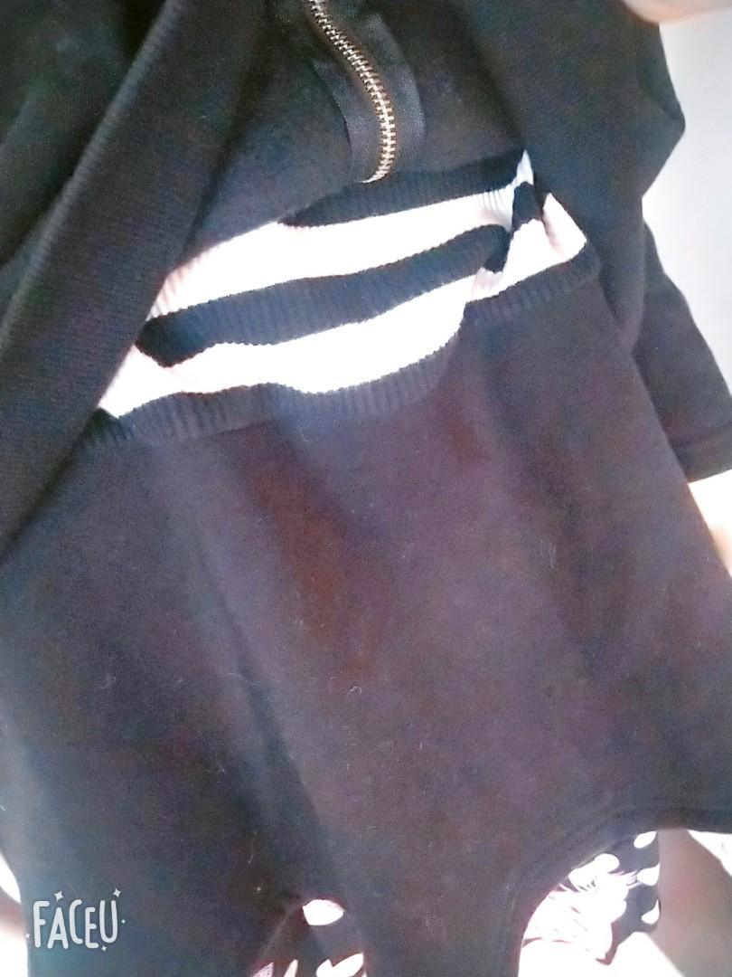 韓國帶回 正韓 韓製 美式休閒 假兩件 內條紋上衣 拉鏈可拉 字母M字刺繡 徽章布貼 連帽上衣 大學帽t