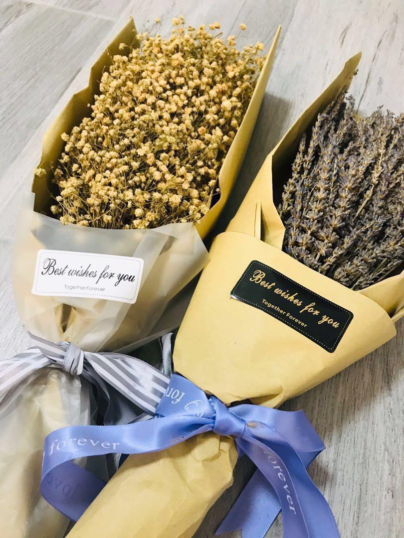 乾花 (大束) 滿天星 (薰衣草已售)Dried Flowers (Baby's breath) (Lavender was SOLD)